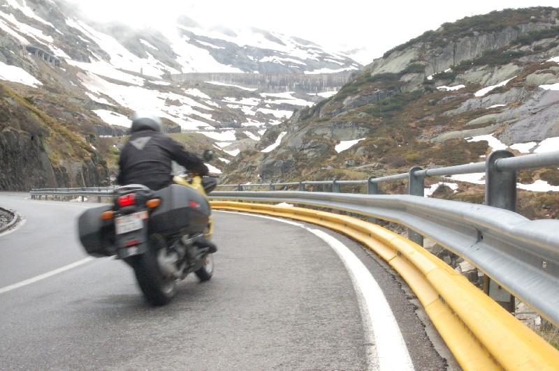 Glissière de sécurité doublée pour protéger les motards
